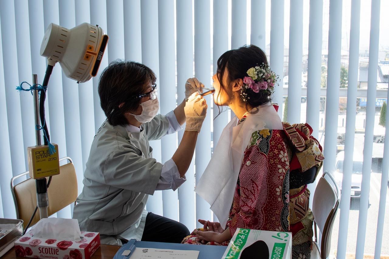 清水町成人式終了後に、成人式歯科健診を行いました